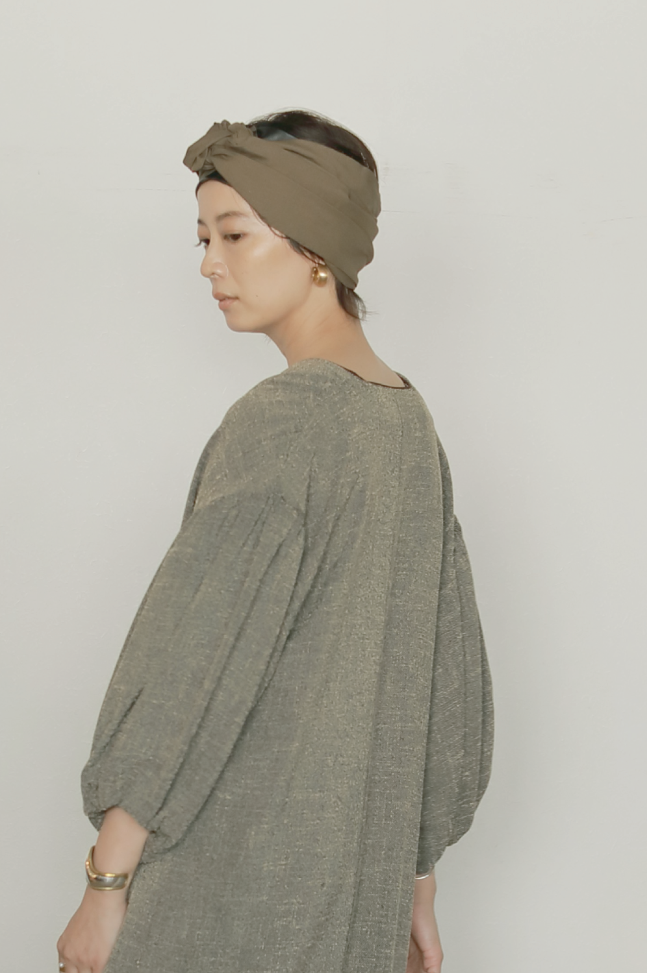 SYNTHETIC LEATHER × BROAD HAIR TURBAN
