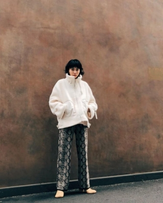 eco mouton boa coat / jacquard knit pants